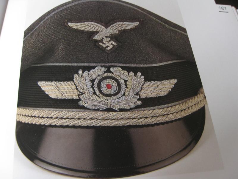 Petite question casquette officier luftwaffe Img_2811