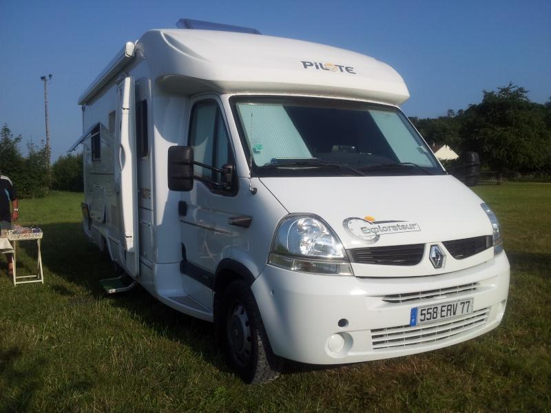 vol camping car porteur Renault couleur marron et orange 558 ERV  77 Img_2212