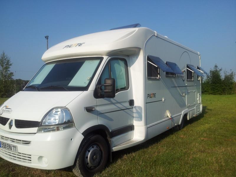 vol camping car porteur Renault couleur marron et orange 558 ERV  77 Img_2213