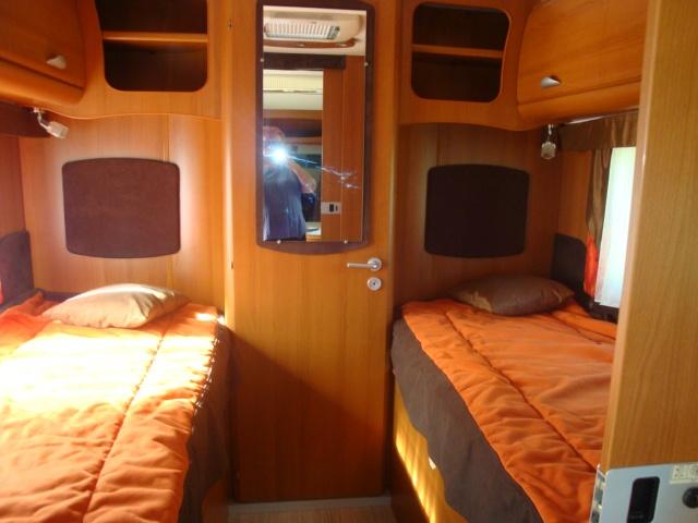 vol camping car porteur Renault couleur marron et orange 558 ERV  77 Img_2215