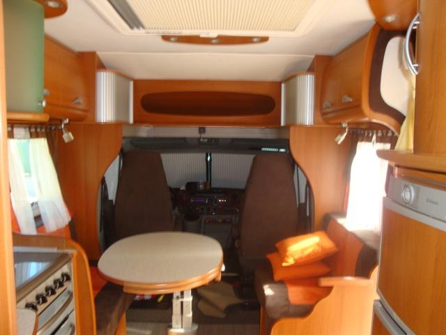vol camping car porteur Renault couleur marron et orange 558 ERV  77 Img_2216