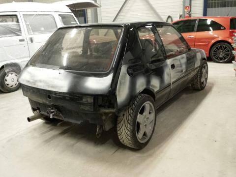[Steft16] 205 GTI T16 - Noir Onyx 10433010