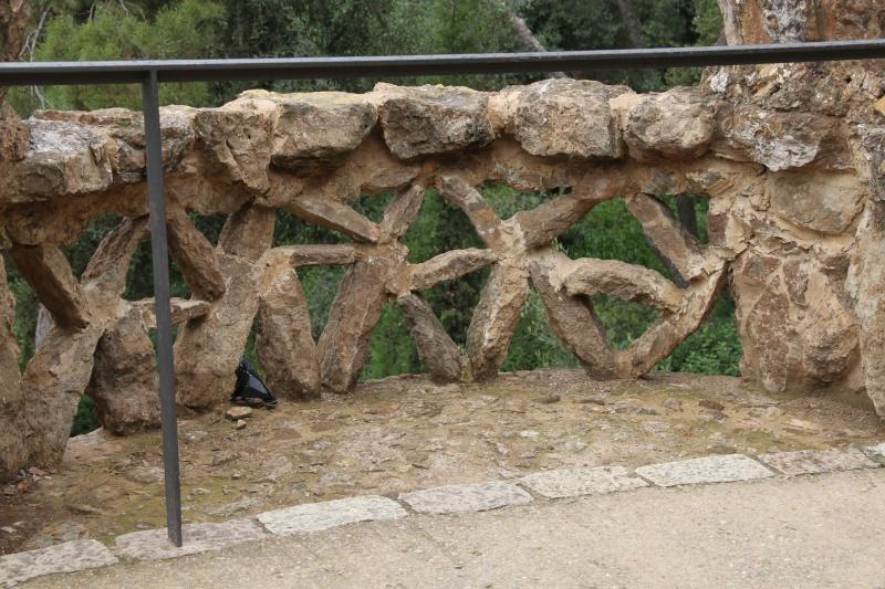 Gaudi, fou ou génie?  Img_0020