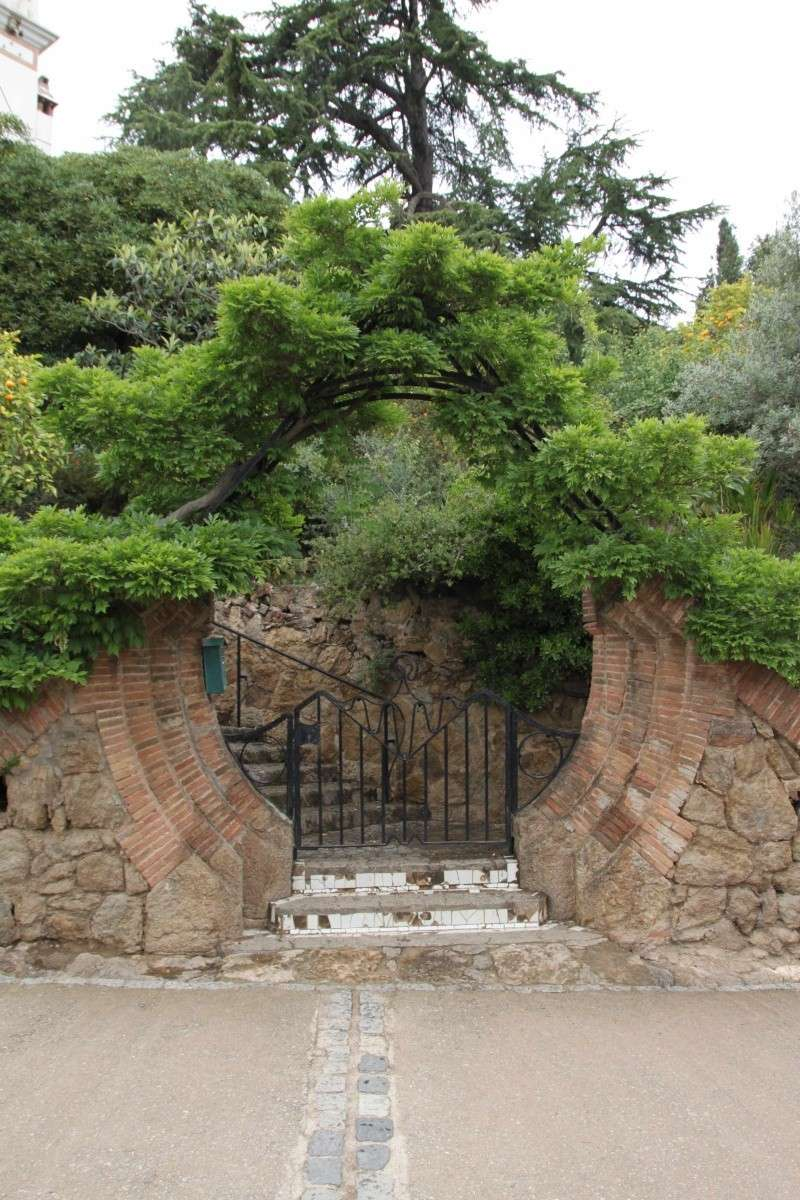 Gaudi, fou ou génie?  Img_0025