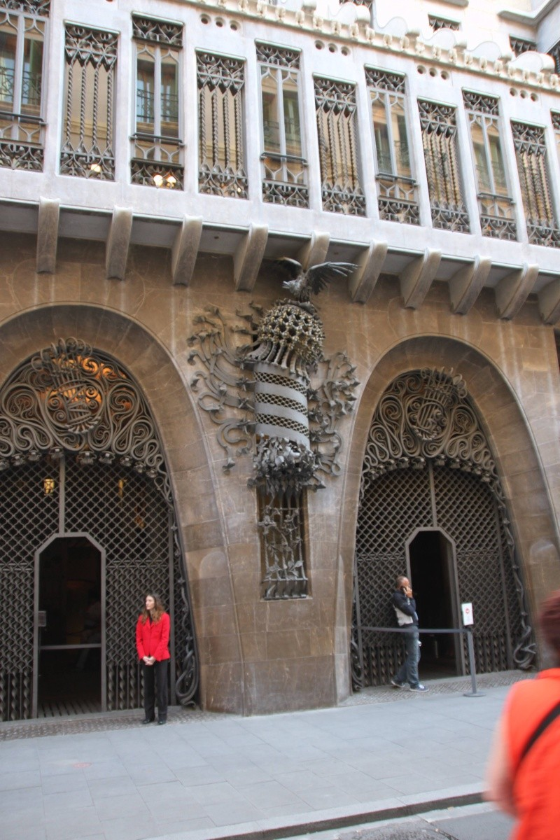 Gaudi, fou ou génie?  Img_9610