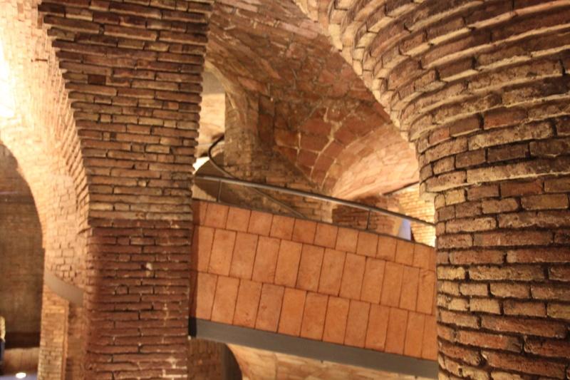 Gaudi, fou ou génie?  Img_9614