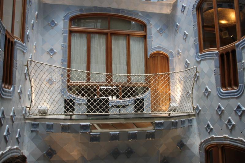 Gaudi, fou ou génie?  Img_9831