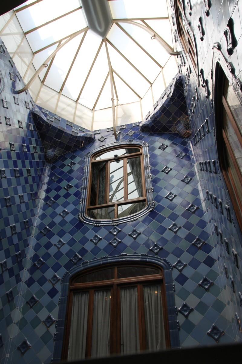 Gaudi, fou ou génie?  Img_9845