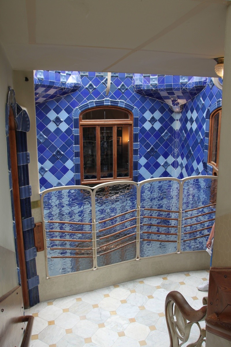 Gaudi, fou ou génie?  Img_9850