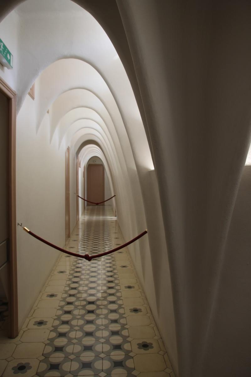 Gaudi, fou ou génie?  Img_9853