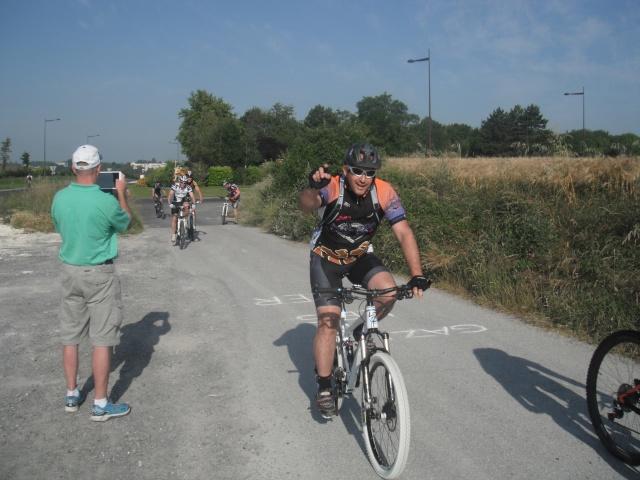 St Quentin fête du vélo 22/06/14 - Page 2 Dscf7818
