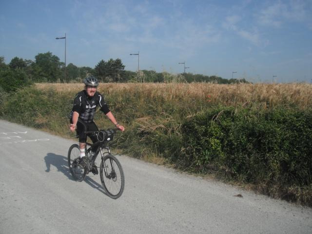 St Quentin fête du vélo 22/06/14 - Page 2 Dscf7824