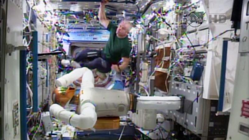"""Le """"Robonaute"""" de la NASA - Page 4 1155"""