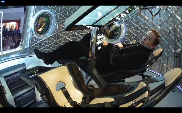 Développement de la capsule Dragon 2 - SpaceX - Page 2 211