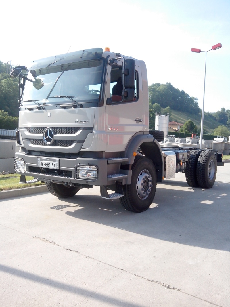 Mercedes Actros MP 1,2 et 3 - Page 11 Img_2010
