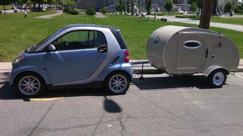 Smart avec sa petite roulotte Img_2011