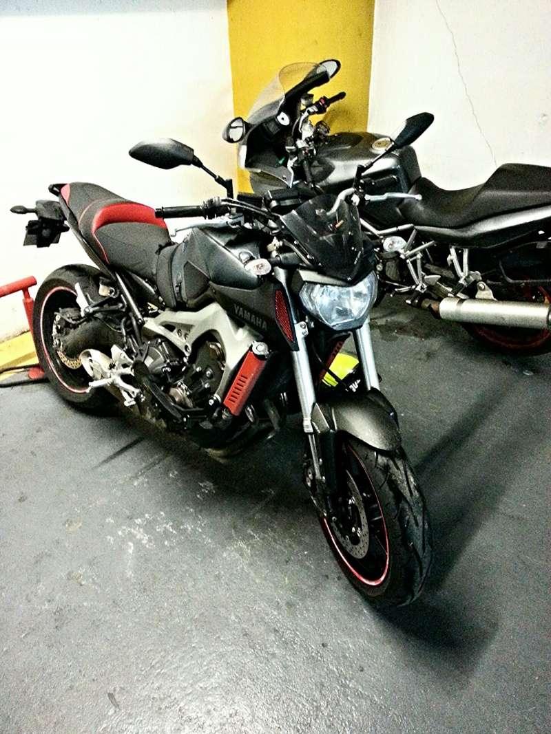 MT 09 MOTO CAGE : Mat Grey noire et rouge ;-) - Page 2 Img_2011