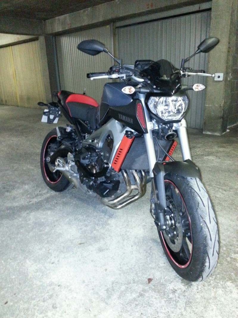 MT 09 MOTO CAGE : Mat Grey noire et rouge ;-) Red_110
