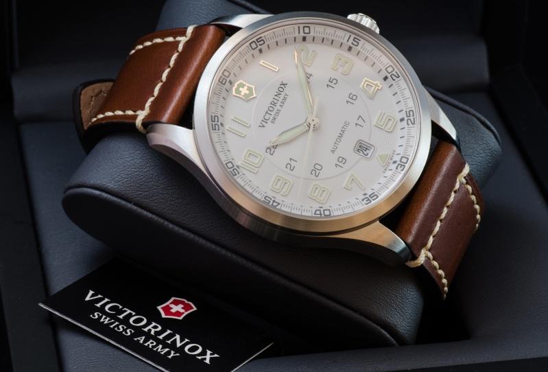 [VENDUE] Victorinox Airboss 241505 Silver Dial Carrur11
