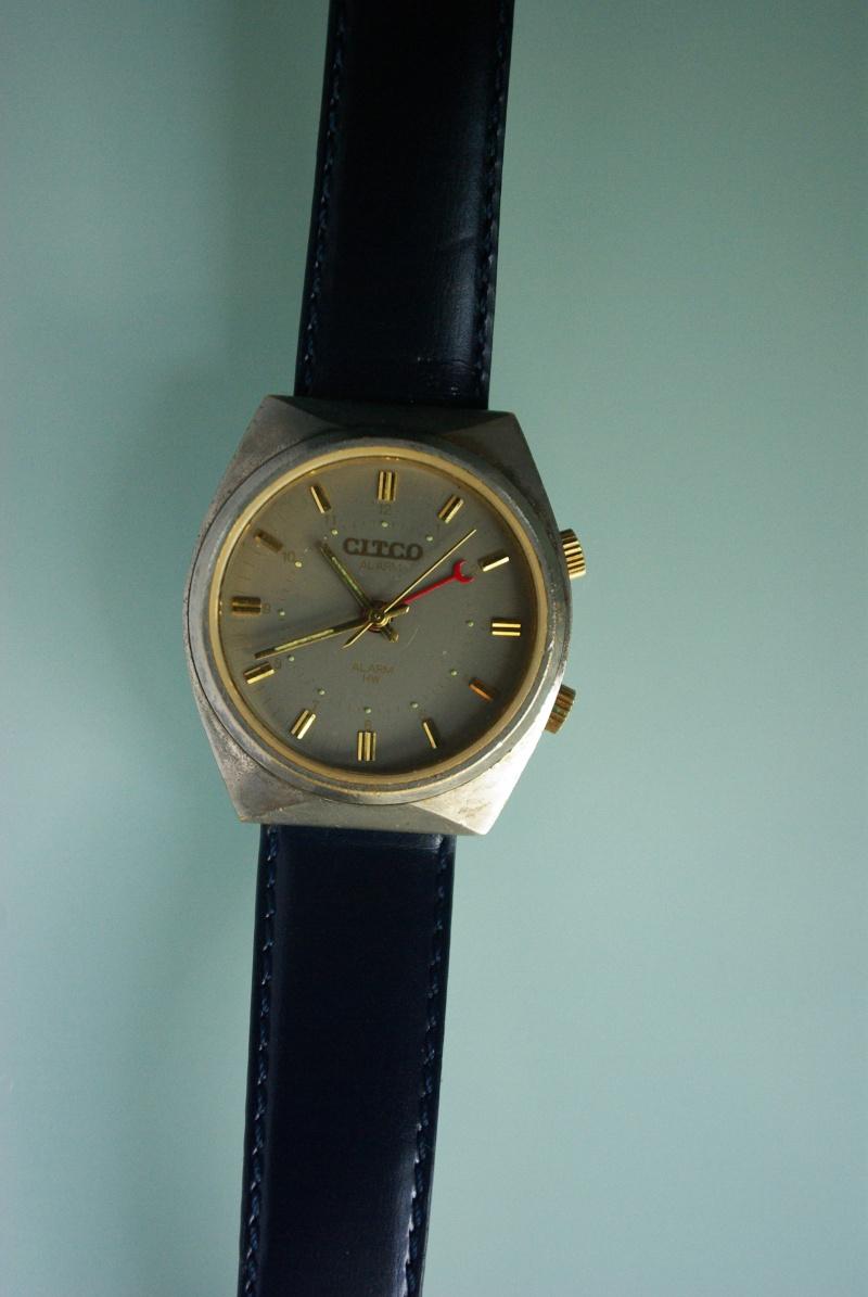 Marques d'emprunt ou d'exportation des montres soviétiques - Page 2 Imgp0514