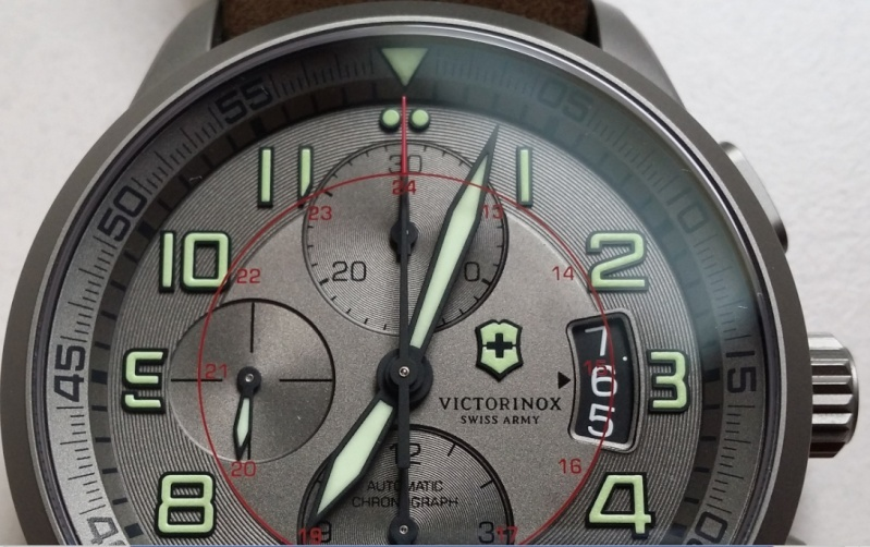 victorinox - [Revue] Victorinox Airboss Chronograph Edition Limitée Titane - Page 2 Captur10