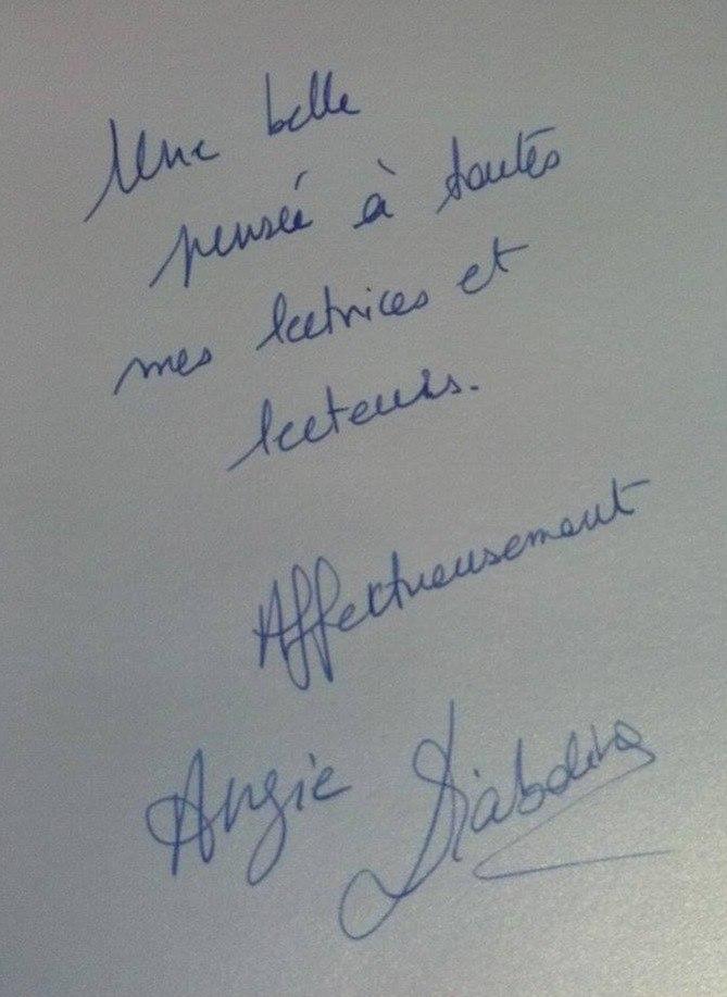 "Interview Angie Diaboline et son livre ""Romain cherche sa robe"" Dedica10"
