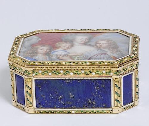 Portraits de Marie-Antoinette sur les boites et tabatières 2007br12