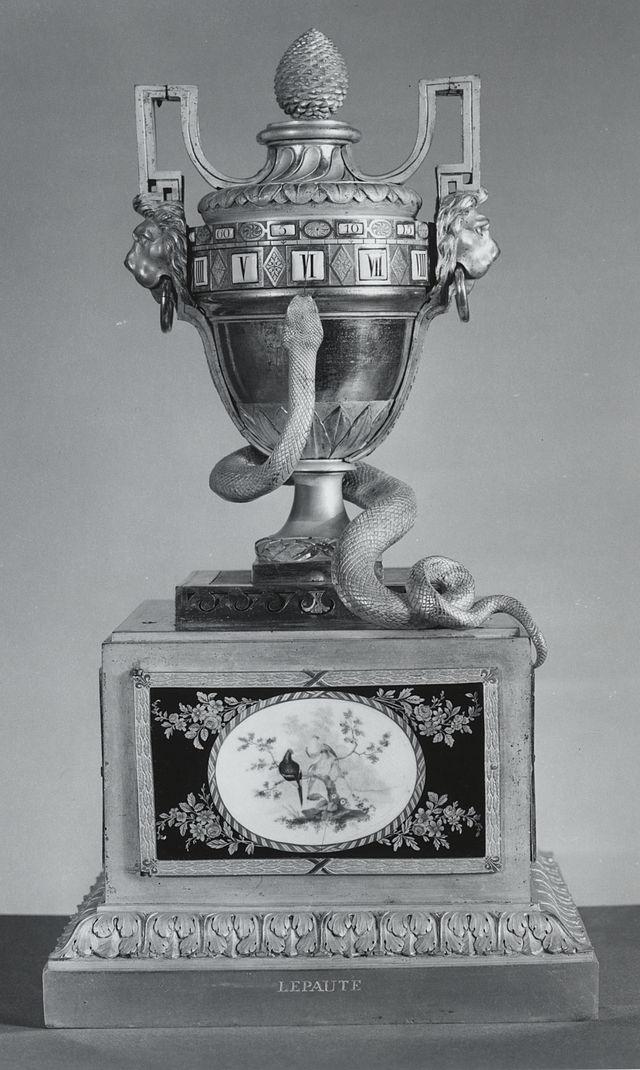 Pendules et horloges de Marie-Antoinette 640px-15