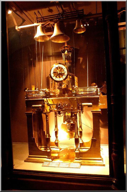 Pendules et horloges de Marie-Antoinette 73002510