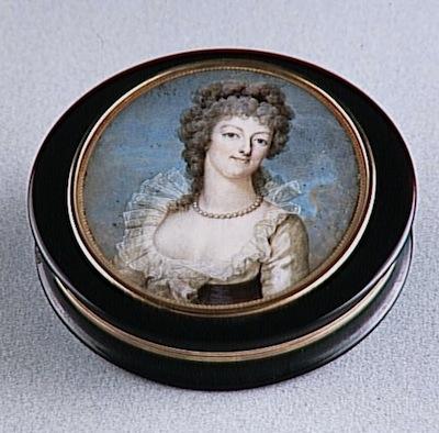 Portraits de Marie-Antoinette sur les boites et tabatières 91-00015
