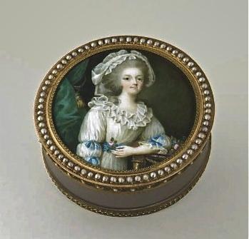 Portraits de Marie-Antoinette sur les boites et tabatières A3c3f410