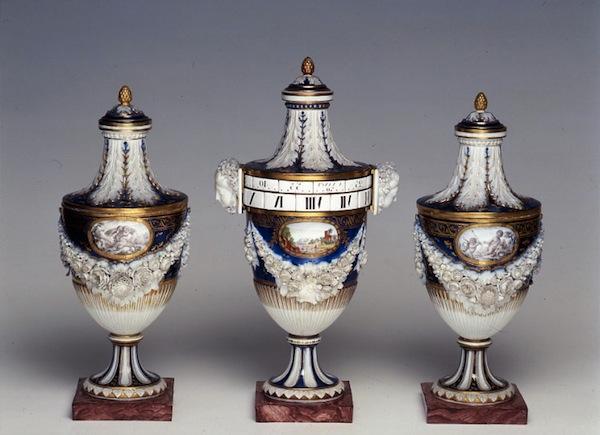 Pendules et horloges de Marie-Antoinette Arton210