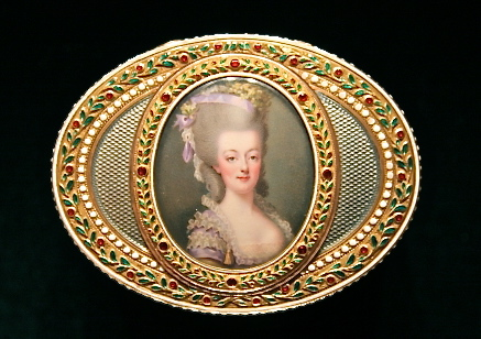 Portraits de Marie-Antoinette sur les boites et tabatières Joseph11