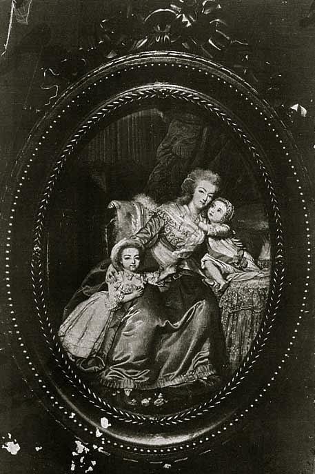 Marie Antoinette, miniatures attribuées à ou d'après François Dumont - Page 2 Marie_21