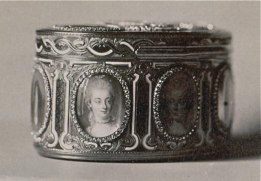 Portraits de Marie-Antoinette sur les boites et tabatières Proxy-16