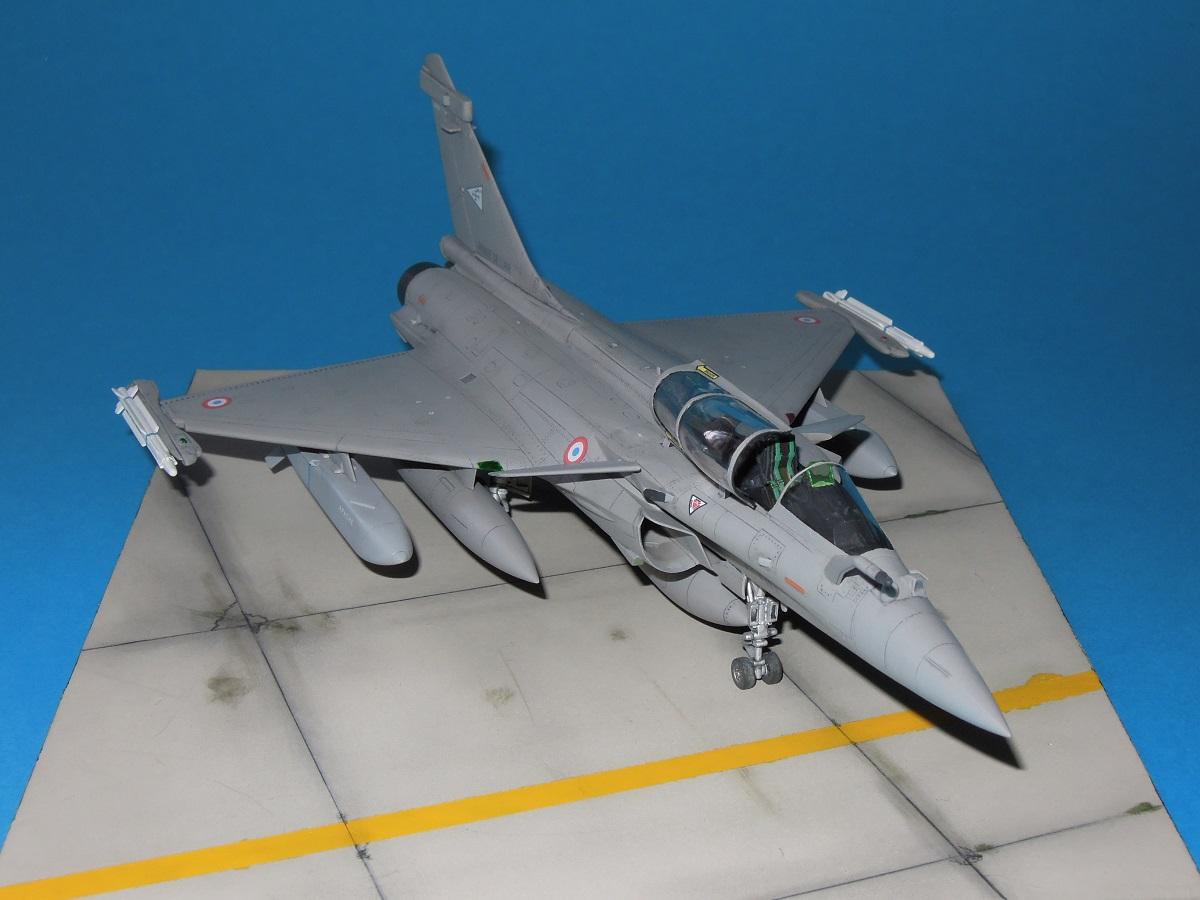 RAFALE C - Hobbyboss - 1/72 Dscn5219