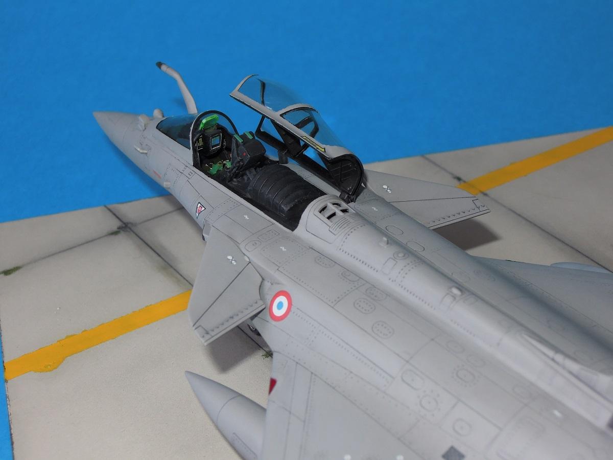 RAFALE C - Hobbyboss - 1/72 Dscn5315