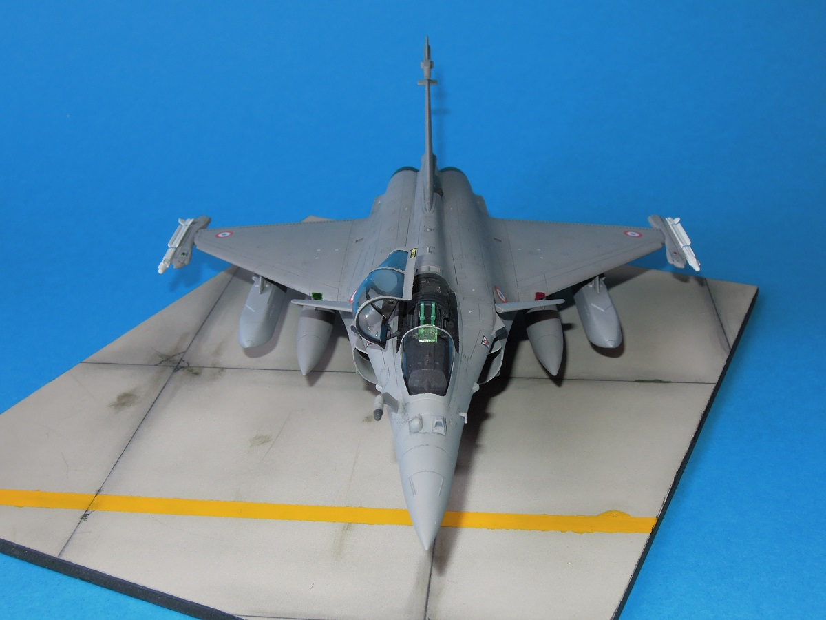 RAFALE C - Hobbyboss - 1/72 Dscn5316