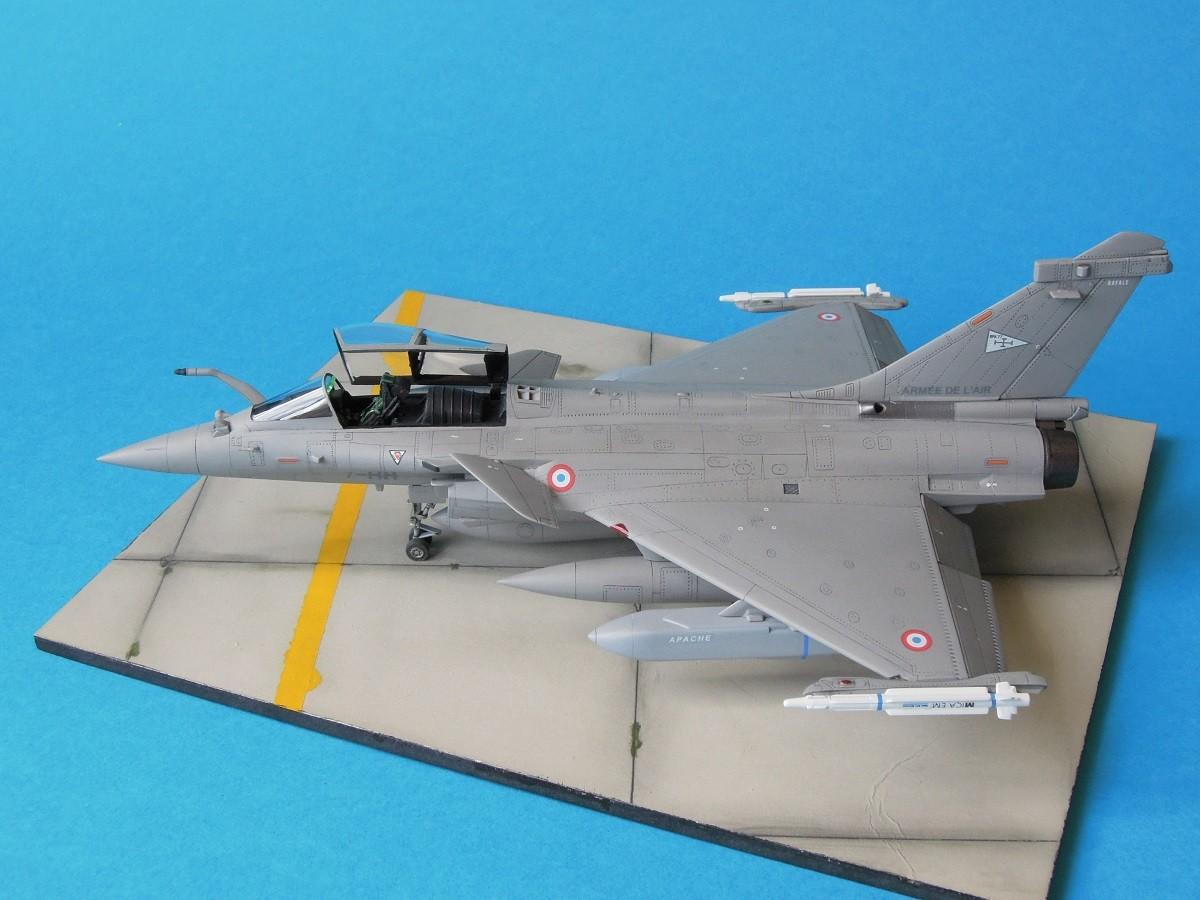 RAFALE C - Hobbyboss - 1/72 Dscn5317