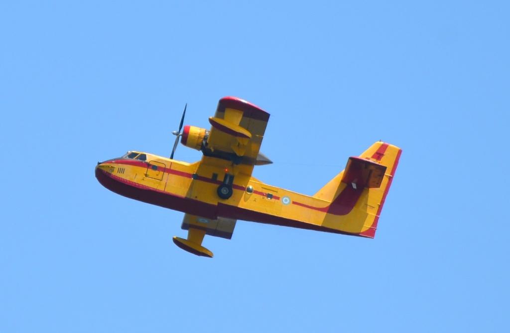 Grèce Canadair au dessus du Péloponnèse Canada10