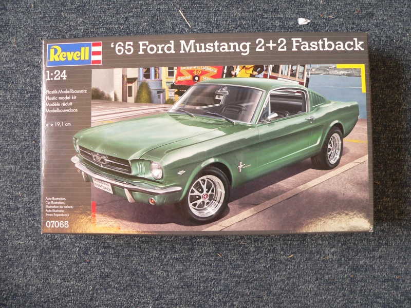 1965 Ford Mustang Fastback 2+2 von Revell in 1:24 P1110133
