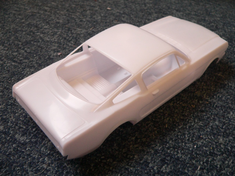 1965 Ford Mustang Fastback 2+2 von Revell in 1:24 P1110210
