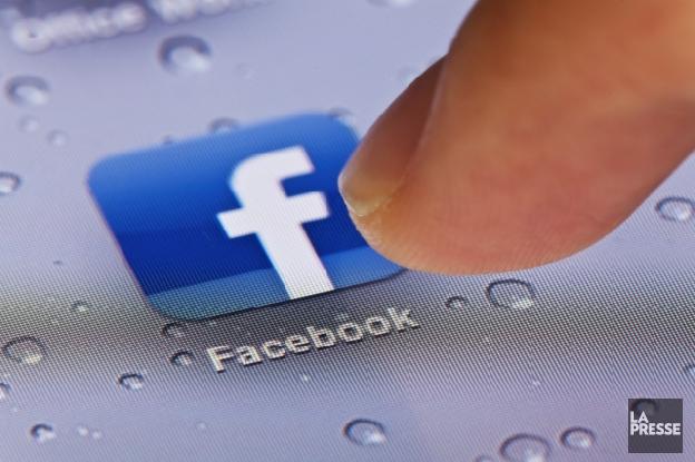 Vous avez peut-être autorisé Facebook à lire vos SMS Bc74db11