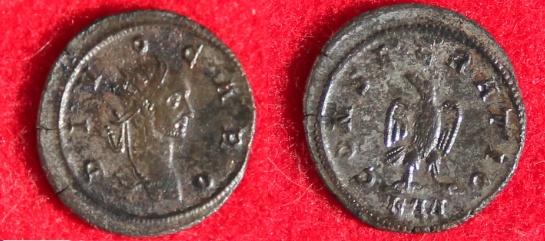 Les monnaies de Consécration de Barzus - Page 15 Carus_14