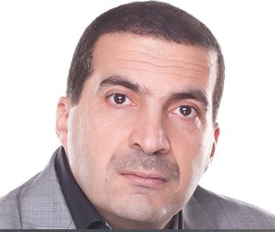 تطابق بين شكل عين عمرو خالد وعين المسيح الدجال على الدولار  Ou10