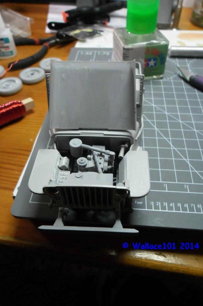 Jeep Willys Italeri 1/24 (ref: 6351) (débuts peintures) - Page 2 10100011