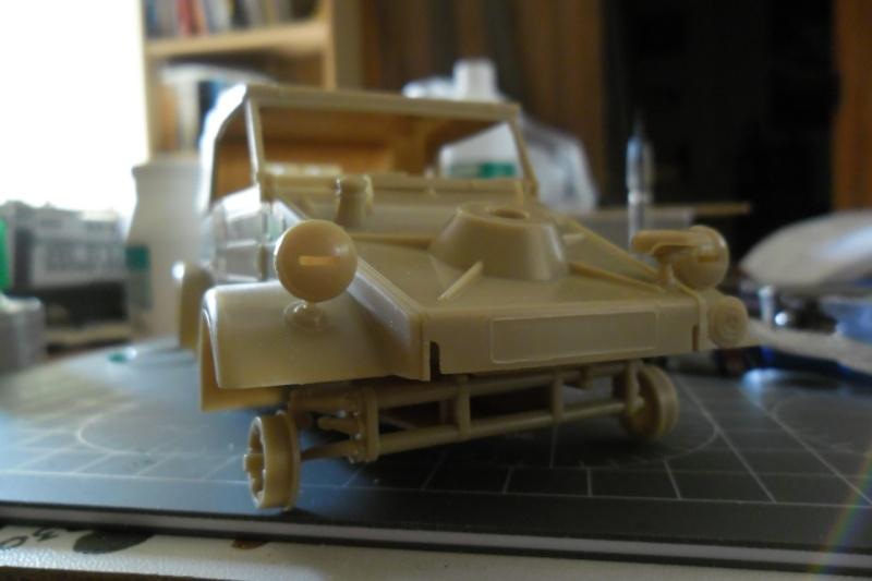 "Kübelwagen Type 82 ""DAK"" Hasegawa 1/24 (terminée) - Page 3 16090114"
