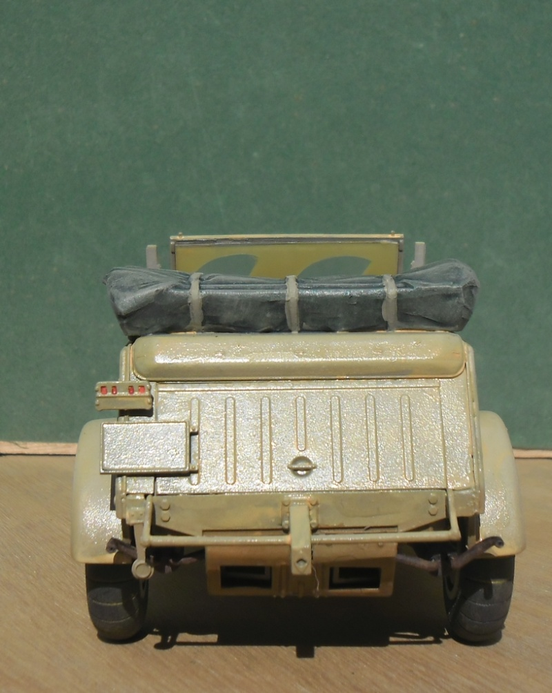 "Kübelwagen Type 82 ""DAK"" Hasegawa 1/24 (terminée) - Page 6 Avant_20"