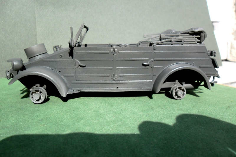 "Kübelwagen Type 82 ""DAK"" Hasegawa 1/24 (terminée) - Page 4 Dunkel11"
