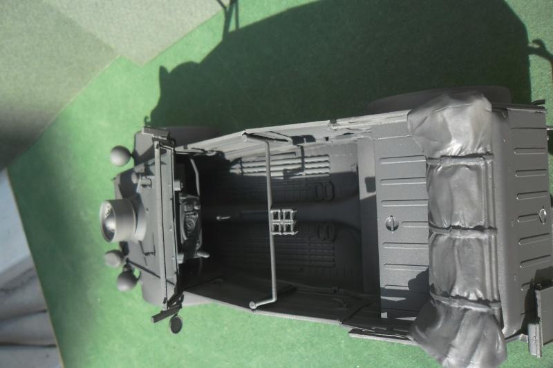 "Kübelwagen Type 82 ""DAK"" Hasegawa 1/24 (terminée) - Page 4 Dunkel12"
